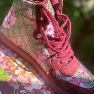 Floral High top Gucci sneakers